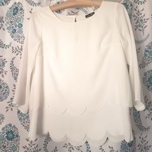 Dee Ella white scalloped sleeve blouse size small